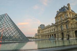 Відтепер Лувр можна відвідати навіть, коли він закритий