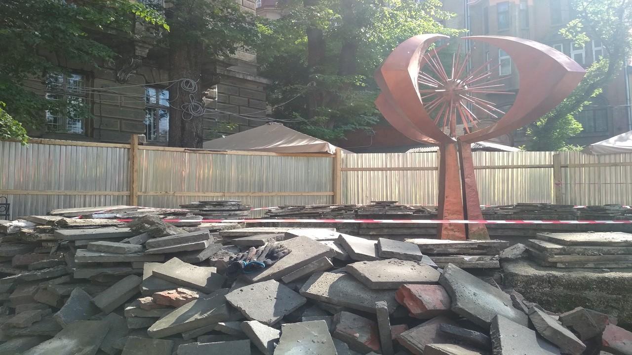 Модерністський фонтан «Кульбаба» у центрі Львова планують зберегти