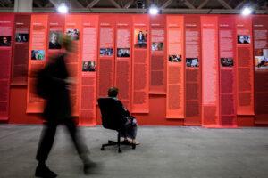 Андреа Боуерс зняла свою роботу з Art Basel