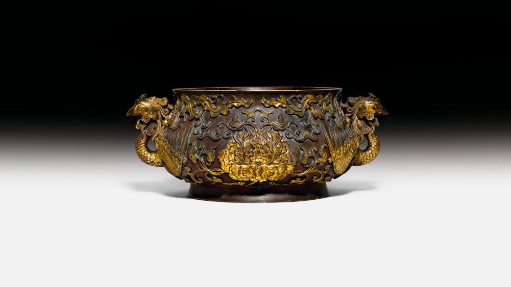 Швейцарська родина продала бронзовий посуд за 4 900 000 доларів