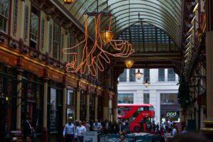 Вулиці Лондона перетворились на музей просто неба