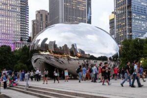 Учасників групи 35th Street Crew заарештували за розпис скульптури Аніша Капура