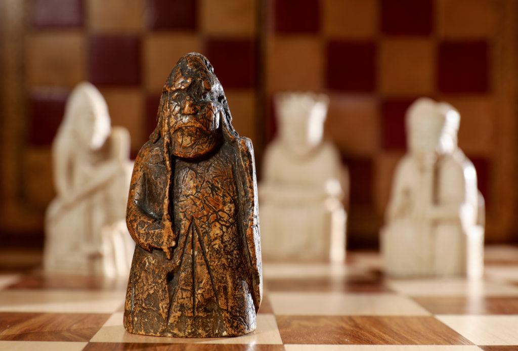 Sotheby's продали шахову фігуру за 1 000 000 доларів