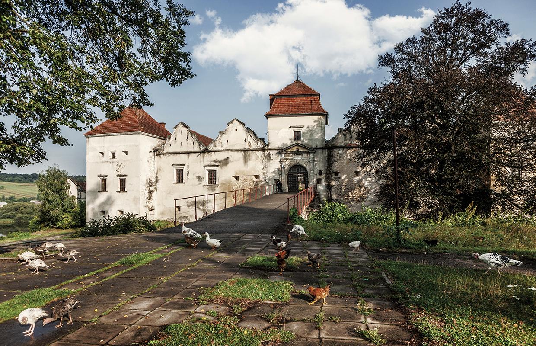 12 замків України тепер в Tinder