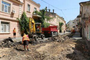 З Воронцовського провулку хочуть зняти старовинну плитку