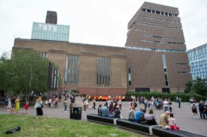 Куратори Tate Modern дослідять мистецтво Африки, Південної Азії та Близького Сходу