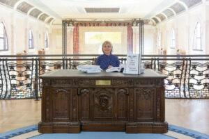 Хілларі Клінтон прочитала свої листи на Венеційській бієнале