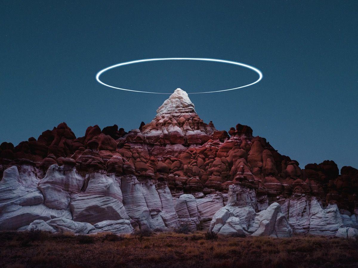 Дрон над пустелею у 10 світлинах