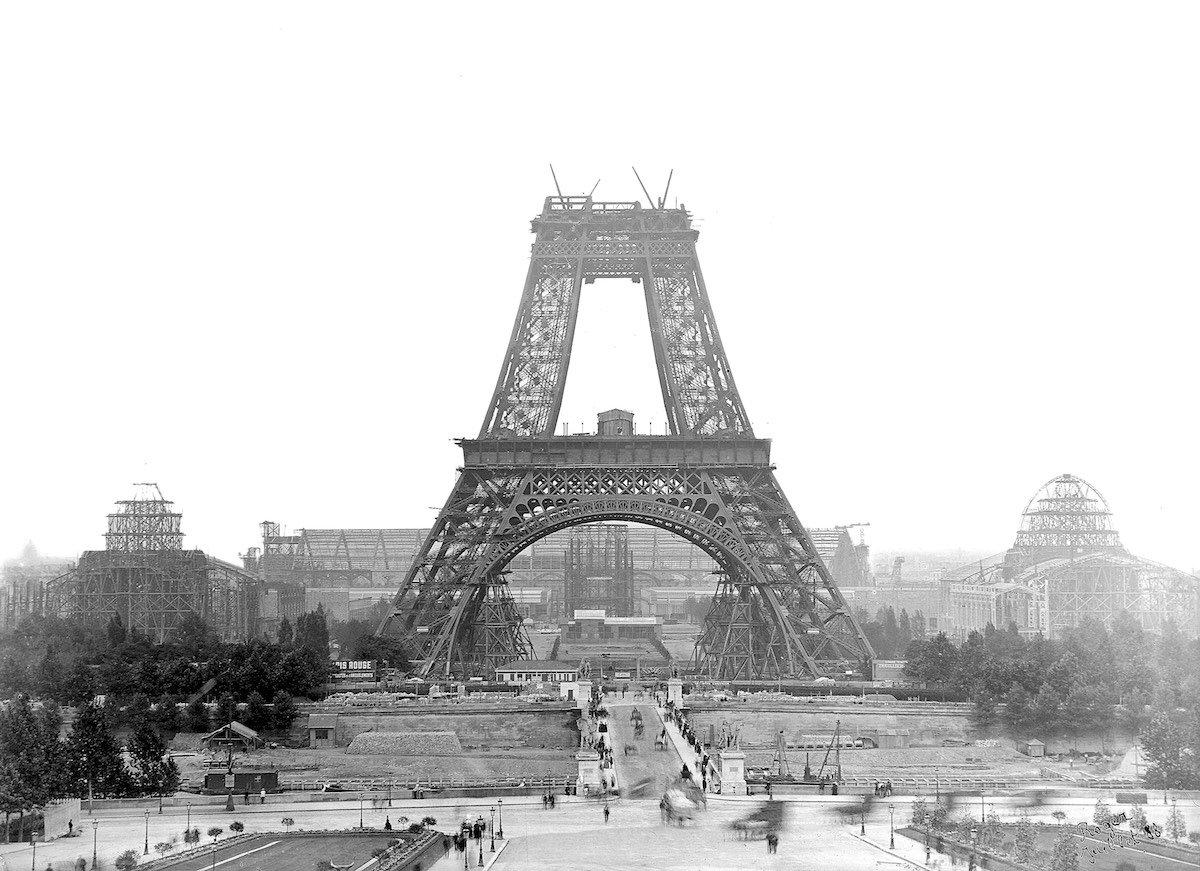 Ейфелева вежа наприкінці XІХ століття у 13 світлинах