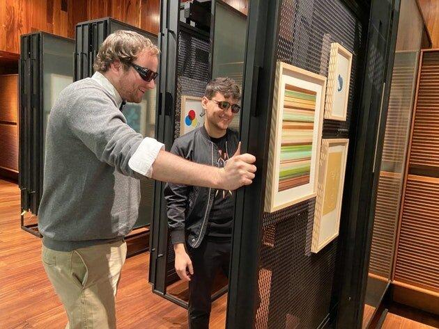 В американських музеях з'явилися окуляри для відвідувачів з дальтонізмом