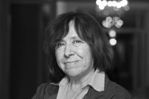 Нобелівська лауреатка Світлана Алексієвич відкриє видавництво для жінок