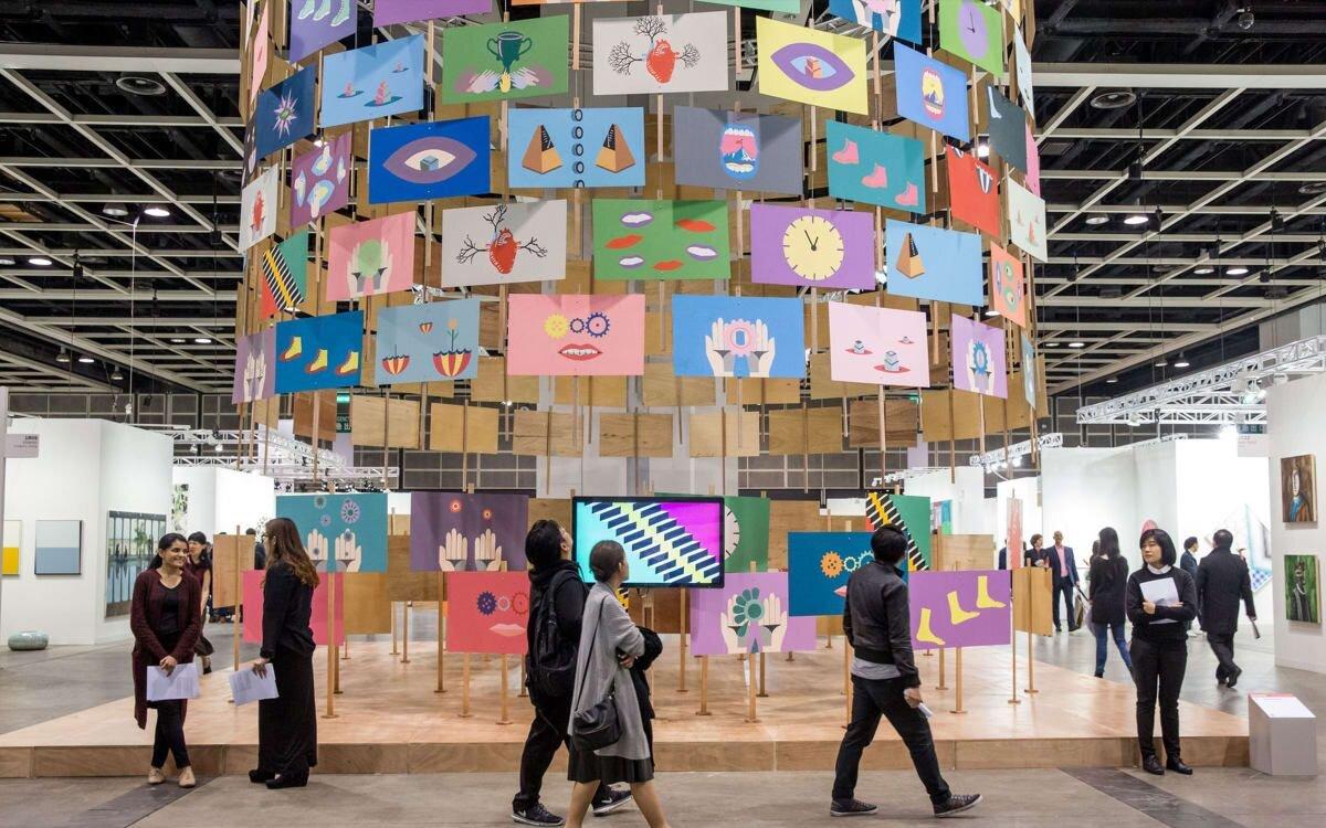 У Гонконгу закрили галереї через коронавірус