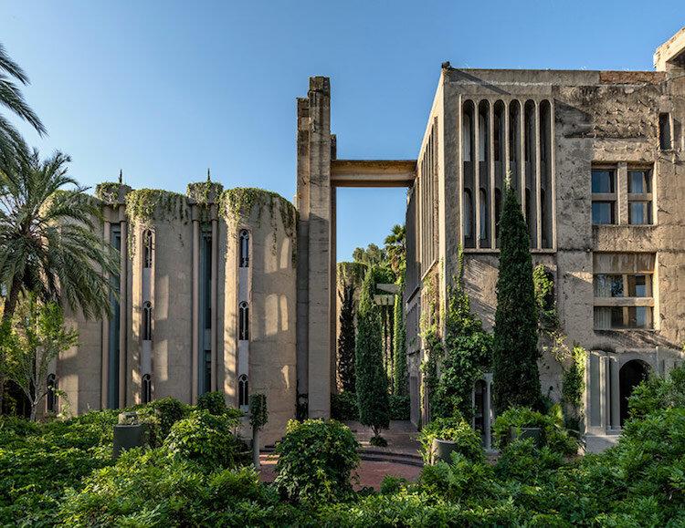 Рікардо Бофіля перетворив закинутий цементний завод на пам'ятку архітектури