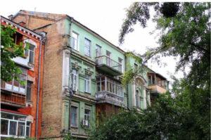 У Києві до пам'ятки архітектури почали добудовувати поверх