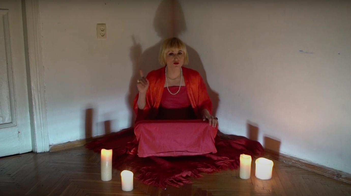 Ксенія Київська виклала нове відео, записане у самоізоляції