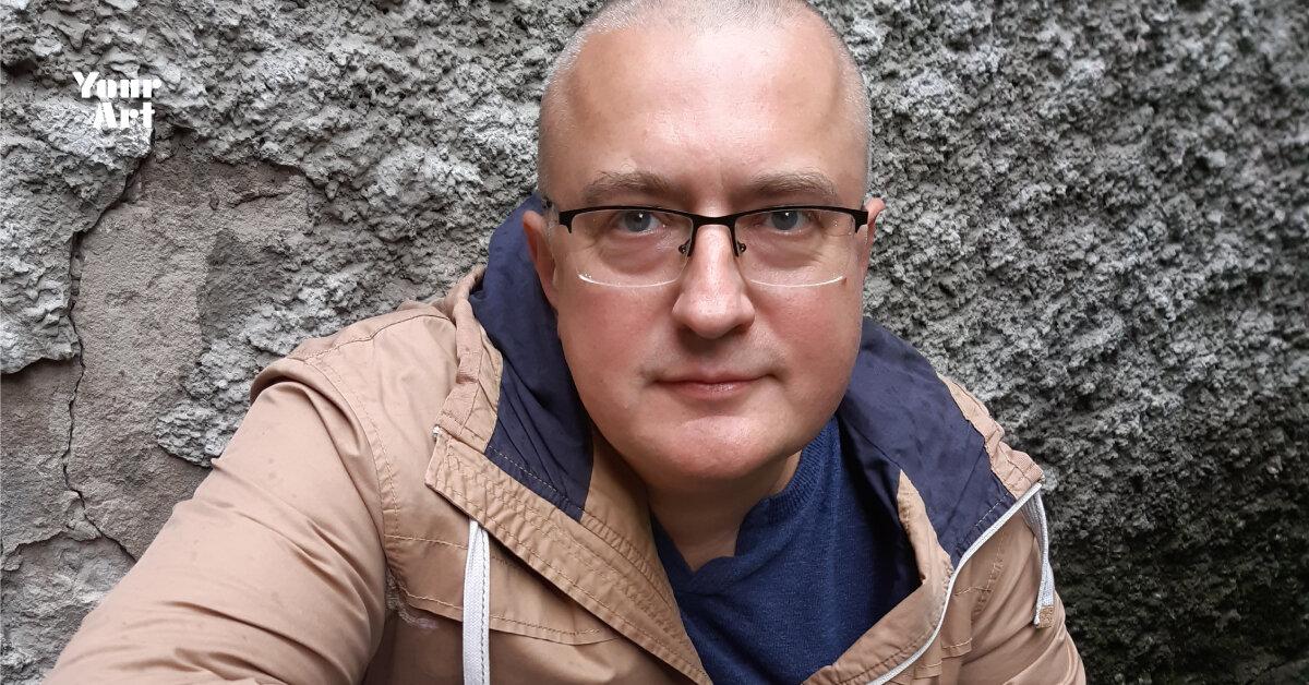 Максим Курочкін про бажання бути режисером-постановником, літо з Тев'є-молочником та відчуття, що завершилась ціла епоха