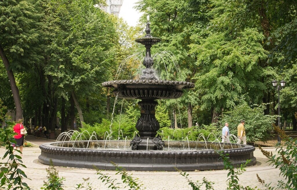 Київрада проголосувала за забудову Чкалівського скверу