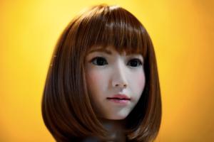Робот Еріка зіграє головну роль у фільмі