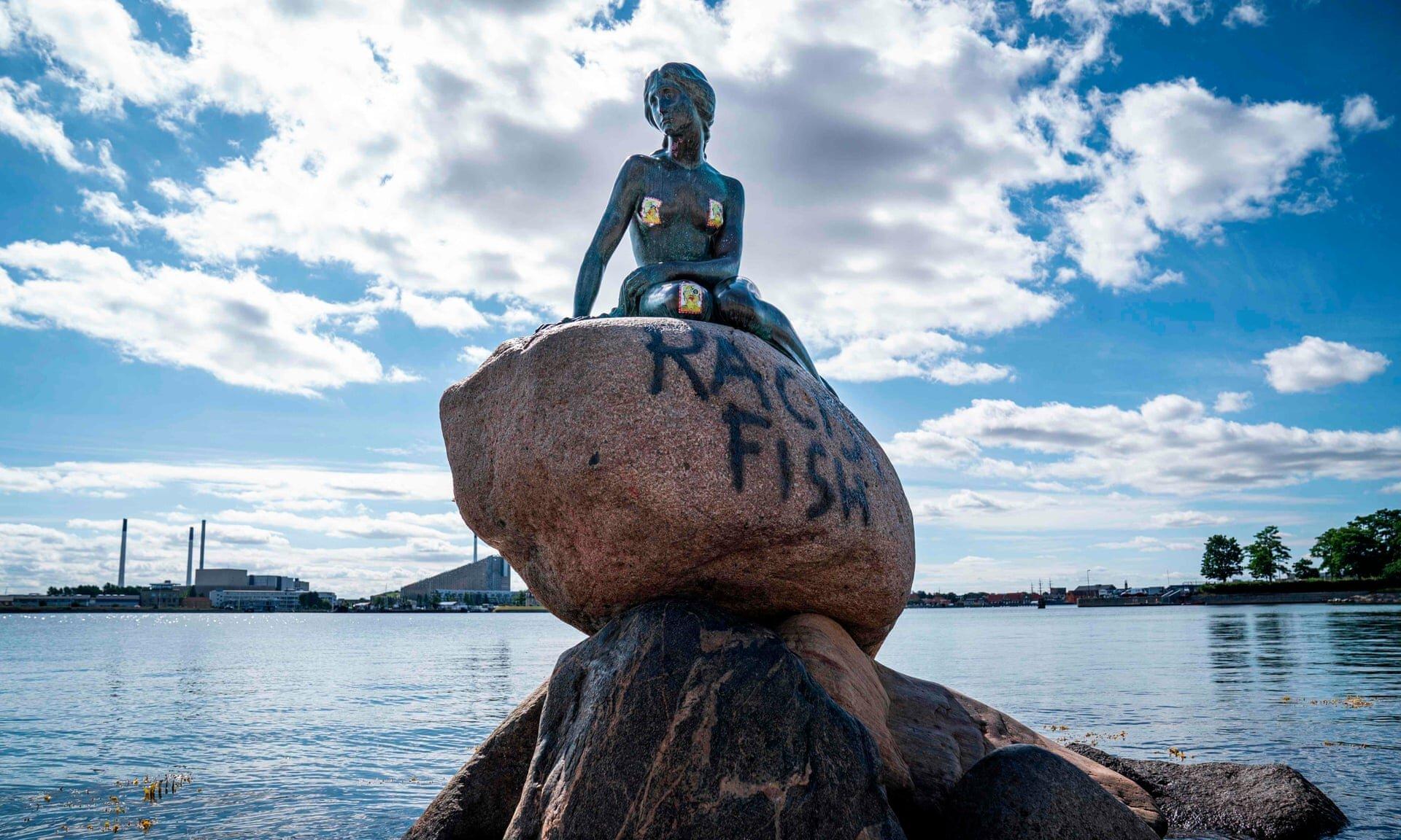 У Копенгагені статую Русалочки назвали расистською