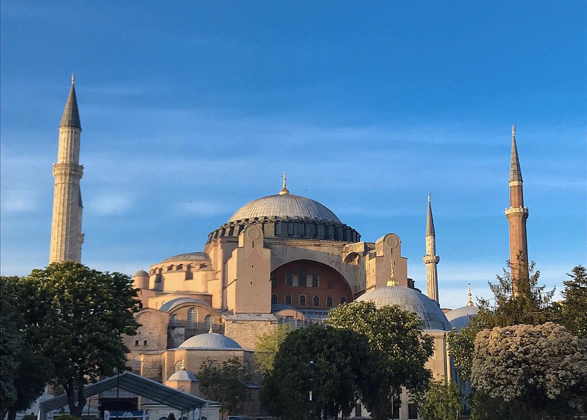У Туреччині Софійський собор перетворили на мечеть