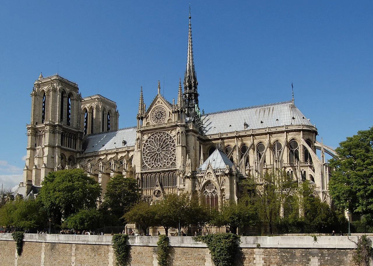 Собор Паризької Богоматері відновлять до колишнього вигляду