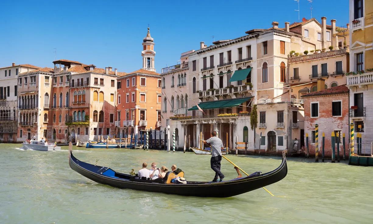У Венеції скоротили місткість гондол