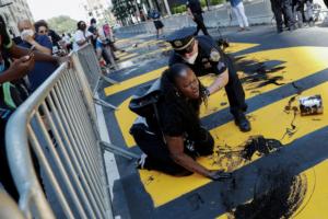 У Нью-Йорку частина містян хоче позбутися фрази Black Lives Matter під Трамп-тауер