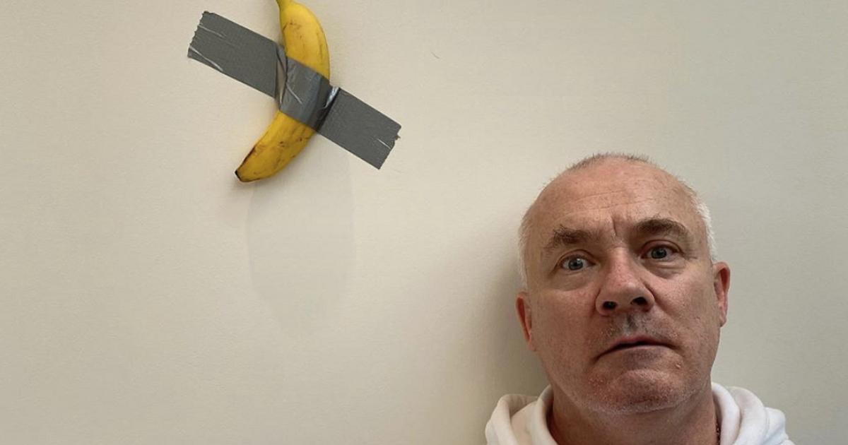 Деміен Херст хоче купити приклеєний до стіни банан Мауріціо Кателана