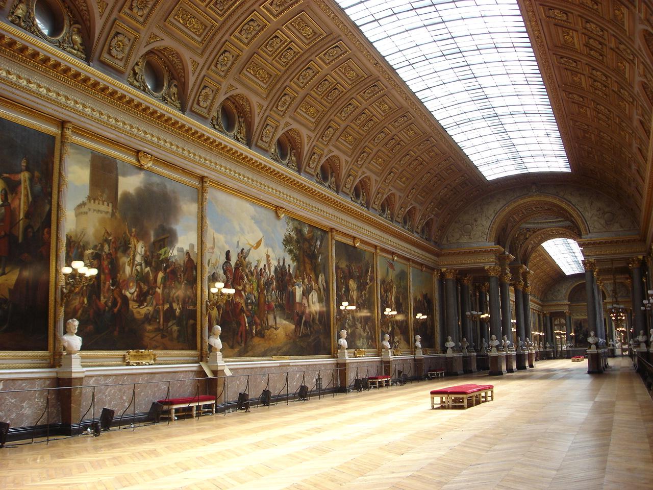 Французький уряд виділить 2 мільярда євро на підтримку культури