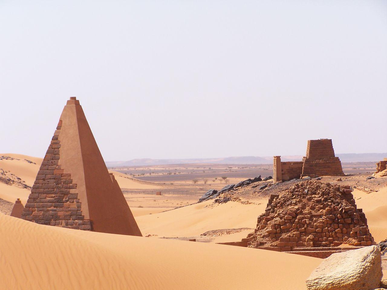 ЮНЕСКО: пірамідам Мерое загрожує небезпека