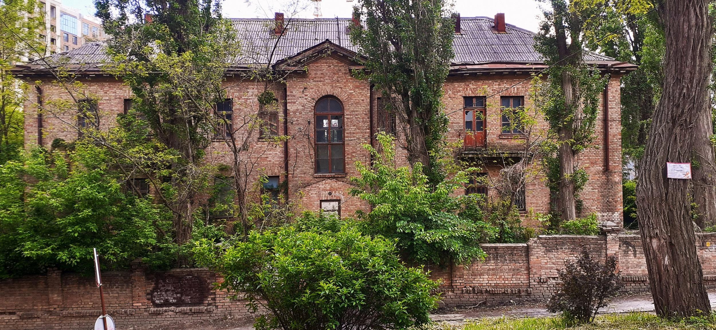 У Києві можуть знести 6 історичних будівель