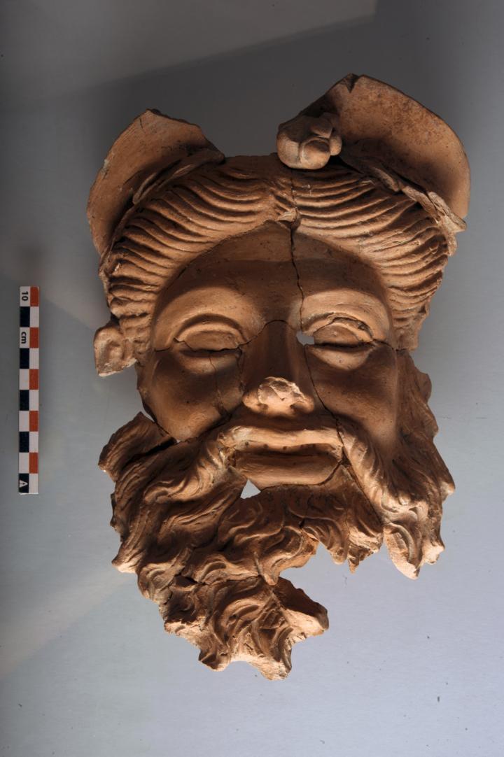 У Туреччині знайшли маску Діоніса, якій 2400 років
