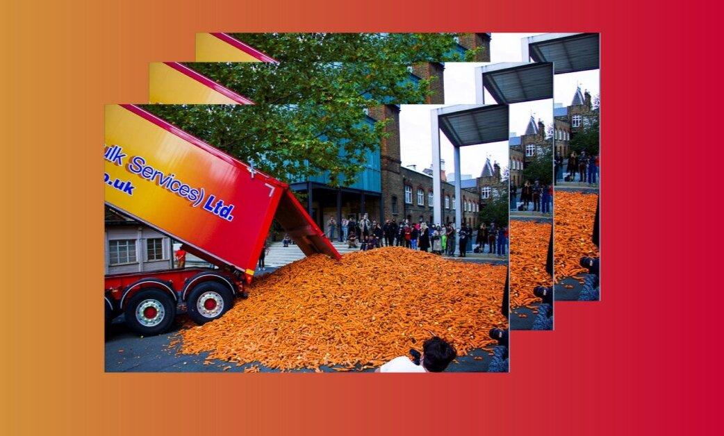 Художник викинув вантажівку моркви біля лондонського університету