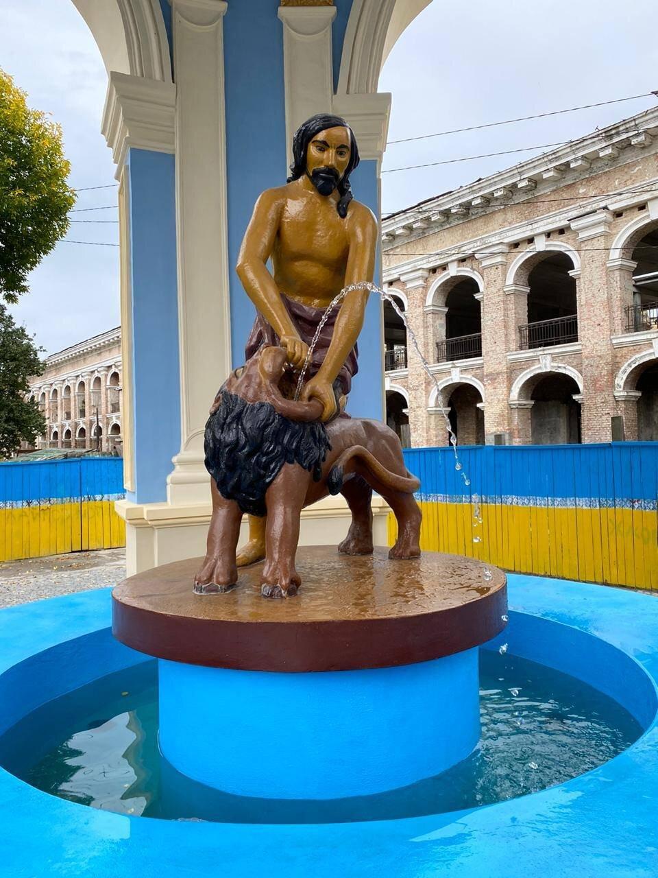 У Києві відреставрували фонтан «Самсон»
