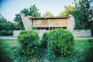Мешканці Борщагівки просять відновити кінотеатр «Кристал»