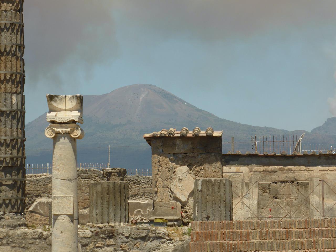 Туристка повернула в Помпеї вкрадені 15 років тому артефакти