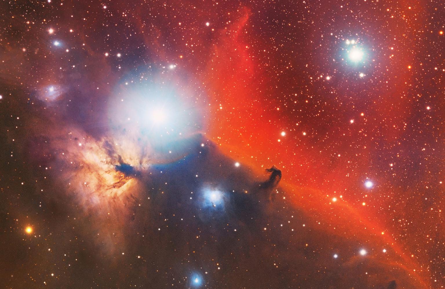 Американець об'єднав 2000 фотографій в одне панно сузір'я Оріона