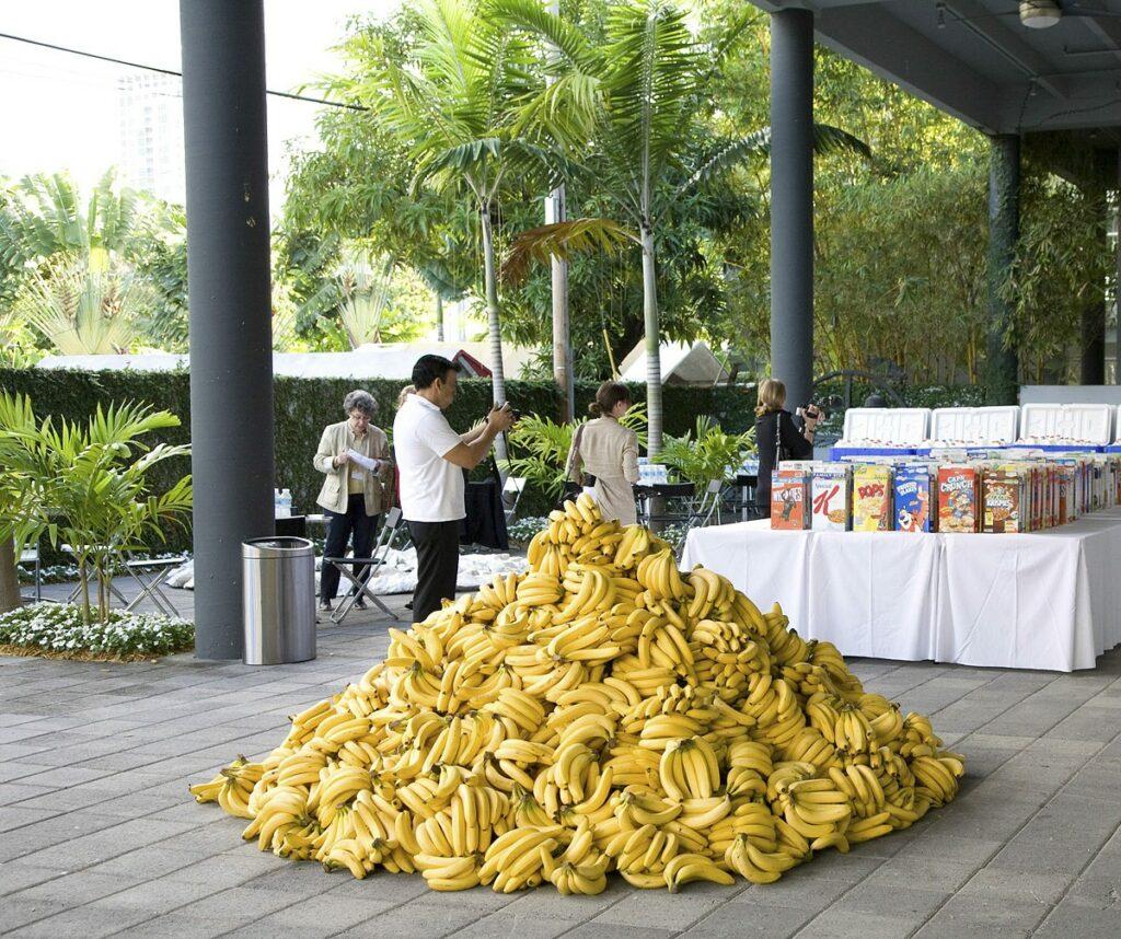 Дженніфер Рубелл. Інсталяція з їжі, 2015