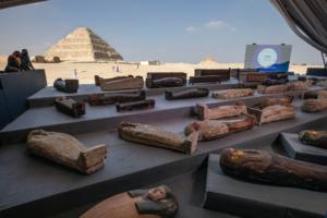 У Єгипті знайшли 100 донині невідомих саркофагів