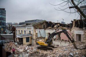 У Протасовому яру зносять історичну будівлю сухарного заводу