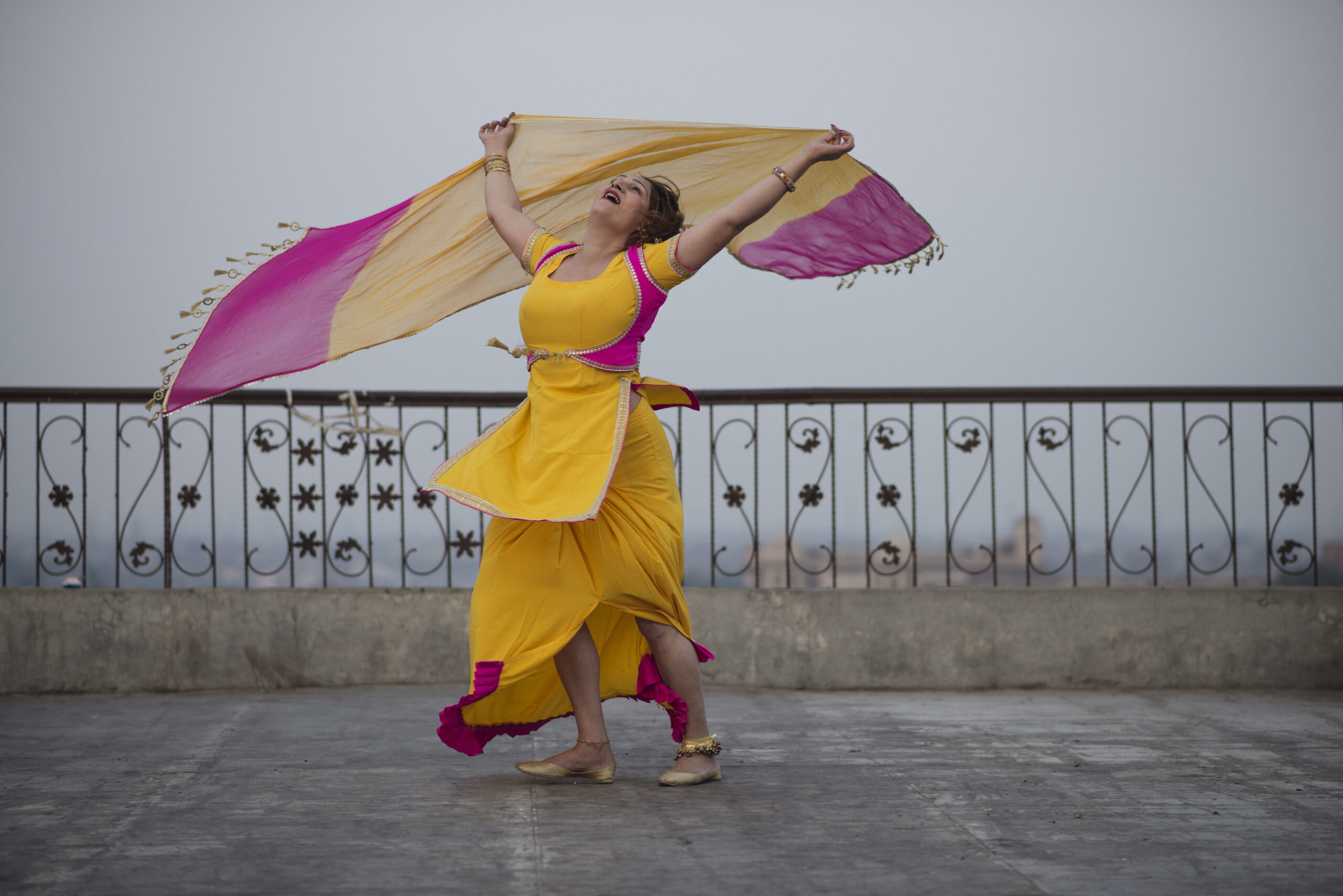 Кадр з фільму Saad Khan «Showgirls of Pakistan», 2020