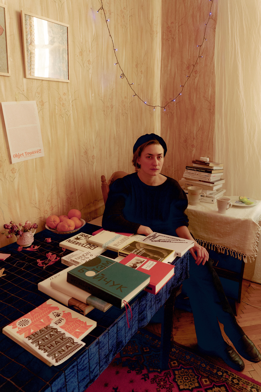 Уляна Биченкова в майстерні, 2020. Фото: Поліна Полікарпова