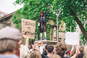 Британський уряд захистить 20 000 пам'ятників від повалень