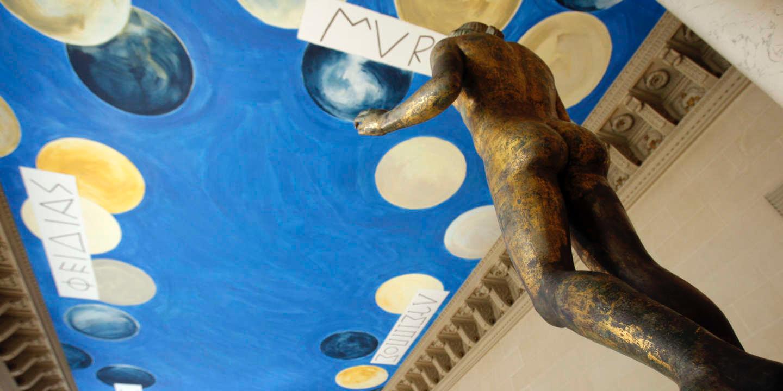 Фонд Сая Твомблі вимагає повернути первинний вигляд Залу бронз Лувру