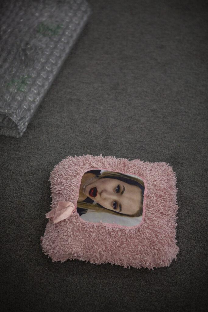 «Рожева виставка», вигляд експозиції в галереї «Білий світ»