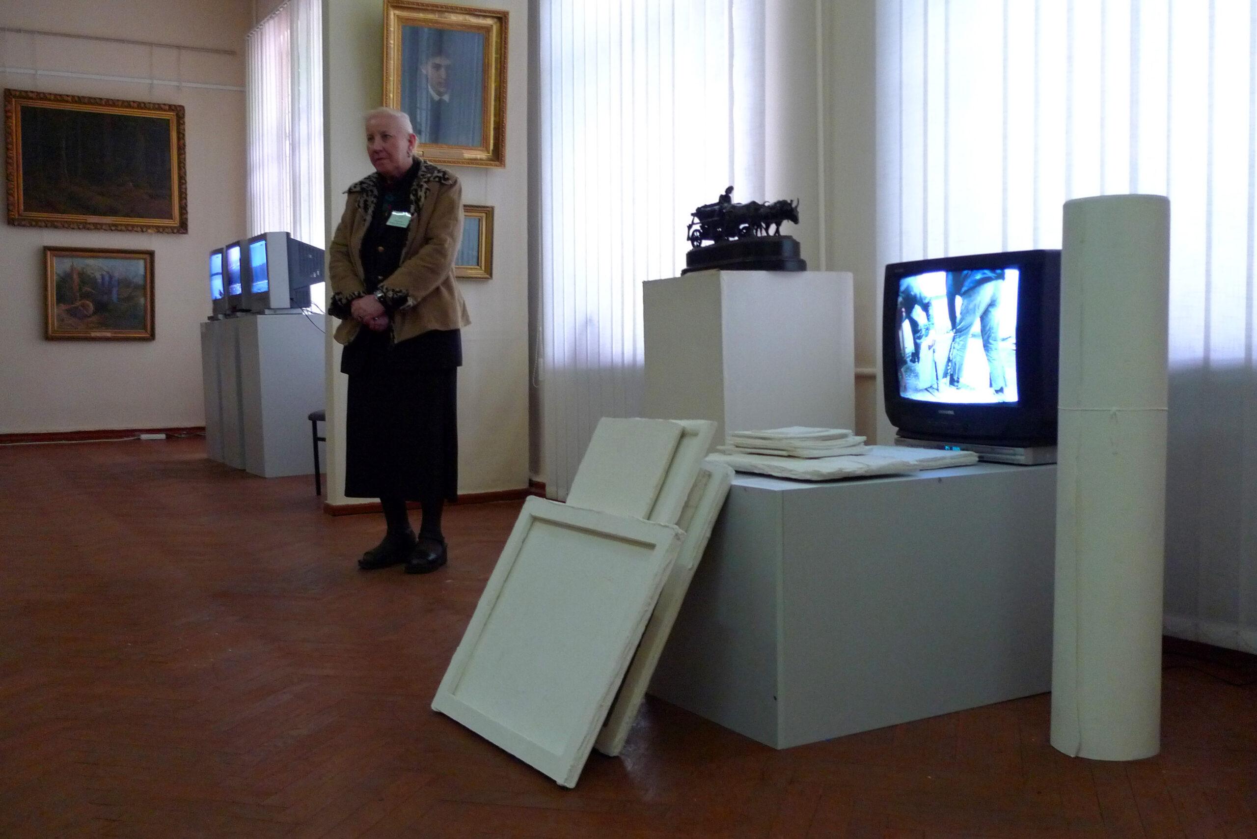 Работа Виталия Кохана и Ивана Светличного на выставке «Новая история». 2009