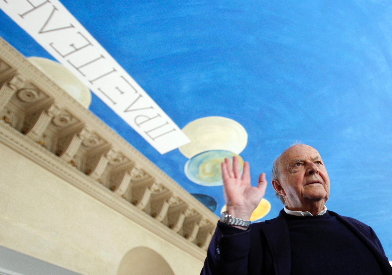 Все далі й далі: Фонд Сая Твомблі подав позов проти Лувру