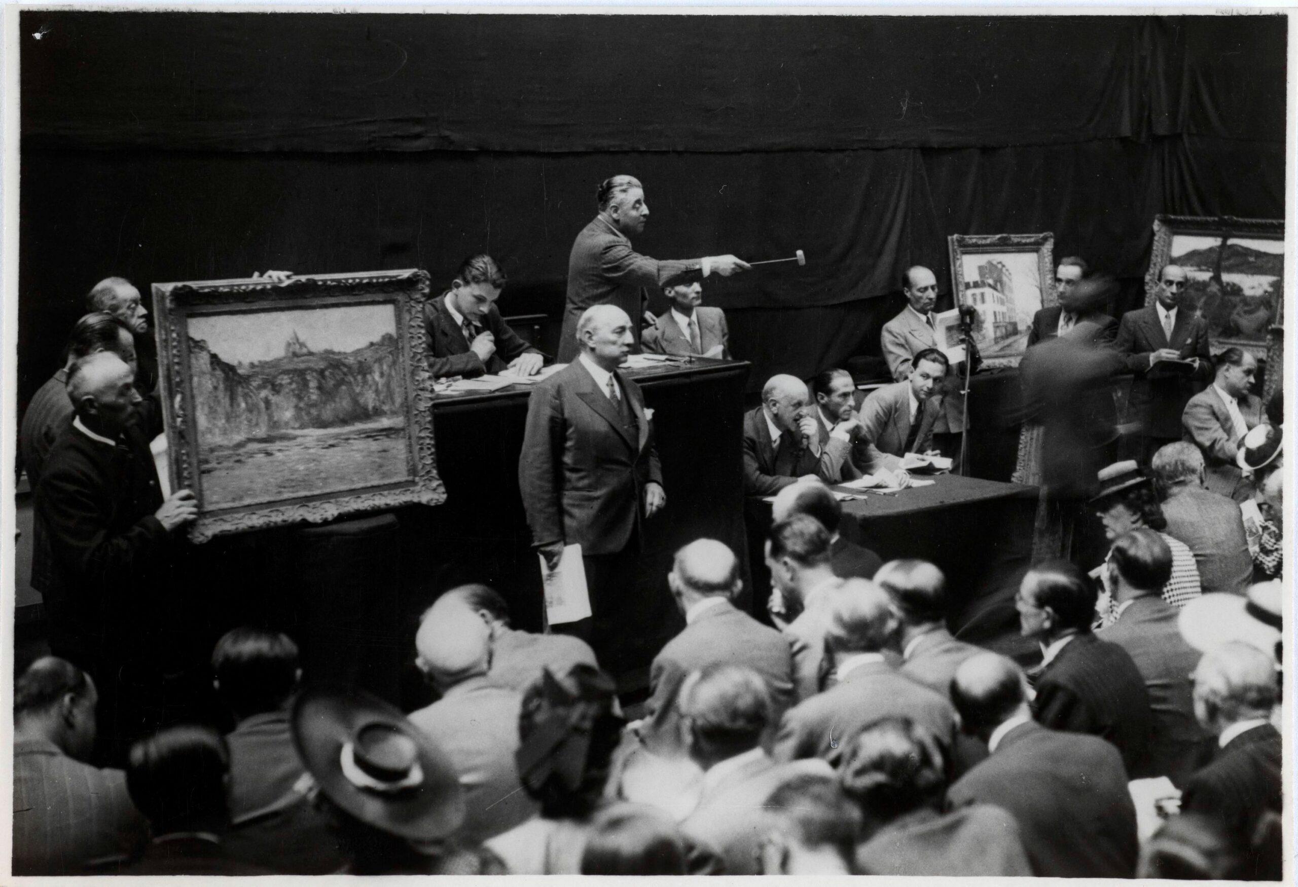 Лувр розслідуватиме колекцію мистецтва воєнного періоду та награбовану з колишніх колоній