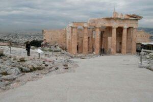 Археологи б'ють на сполох: через ремонт Акрополь можуть зруйнувати