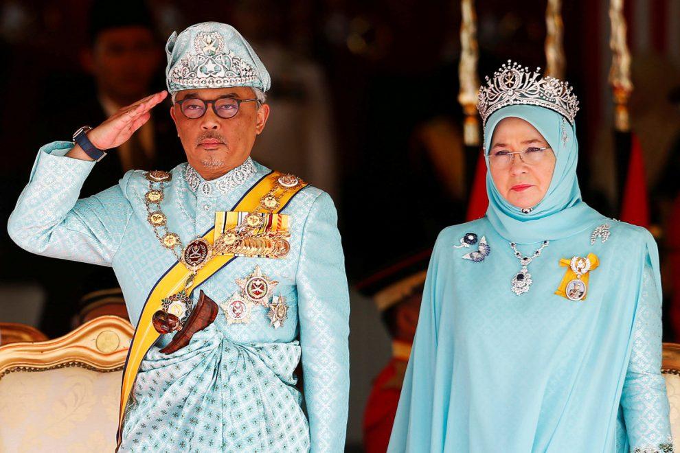 Хай живе королева: малазійського художника заарештували за те, що він її образив